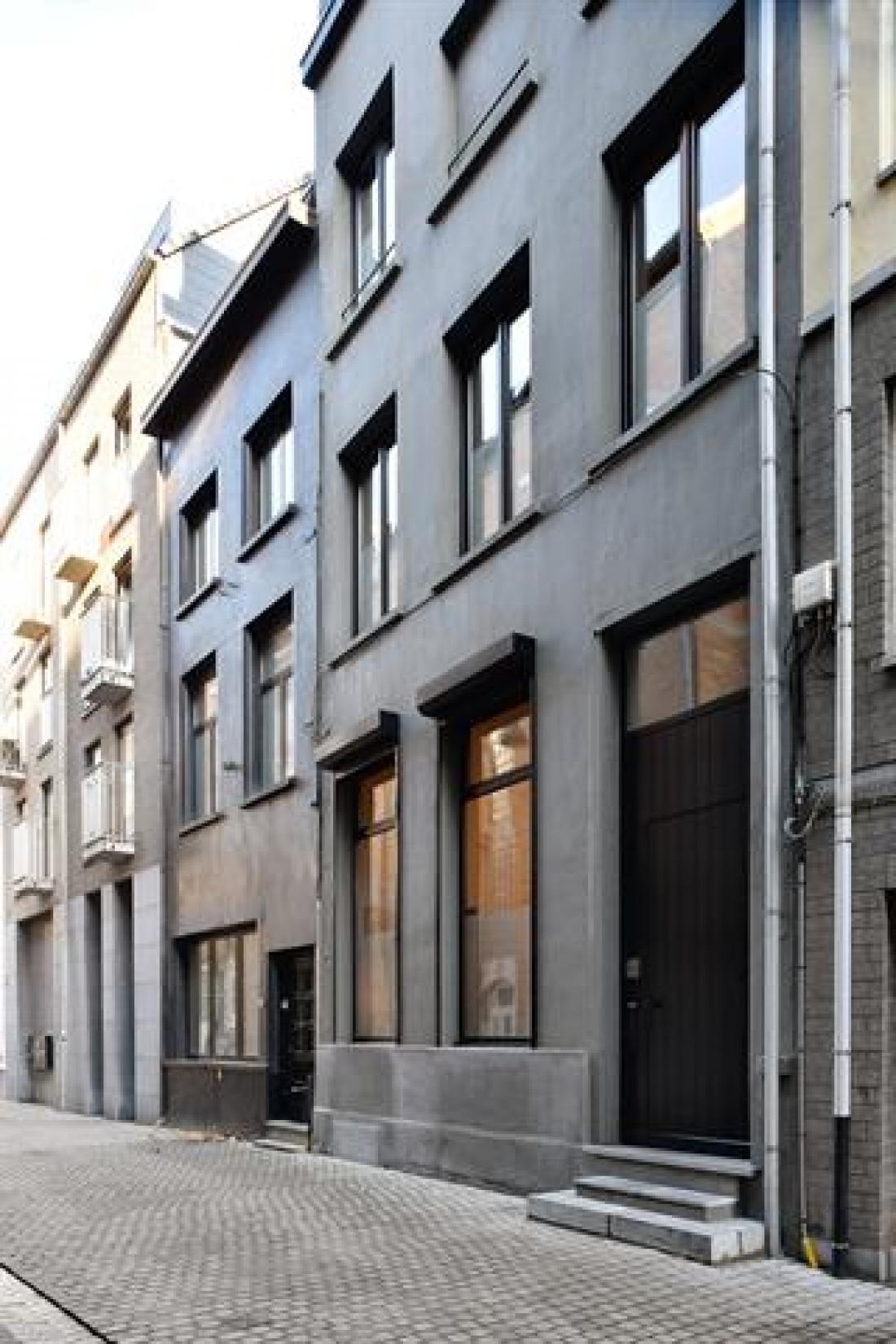 Vernieuwd herenhuis in eeuwenoud centrum van Antwerpen