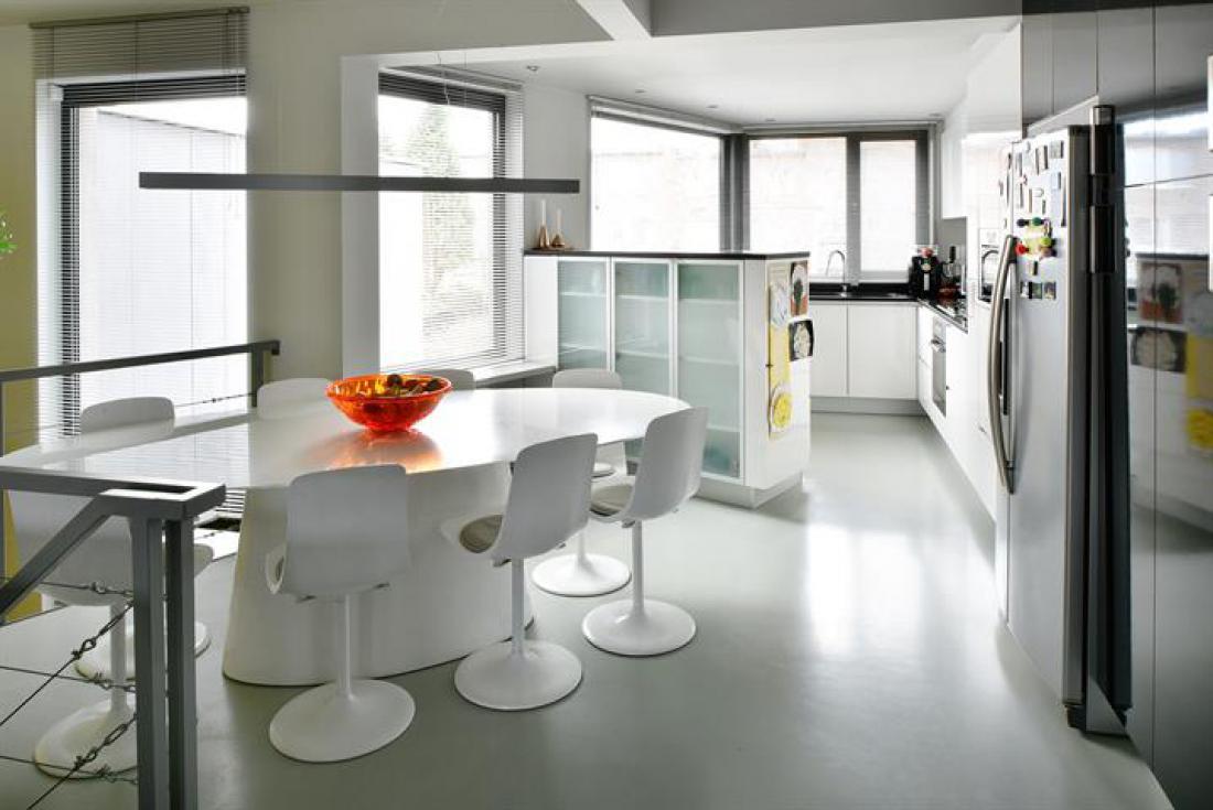 Lichte bel-etage met tuin en garage