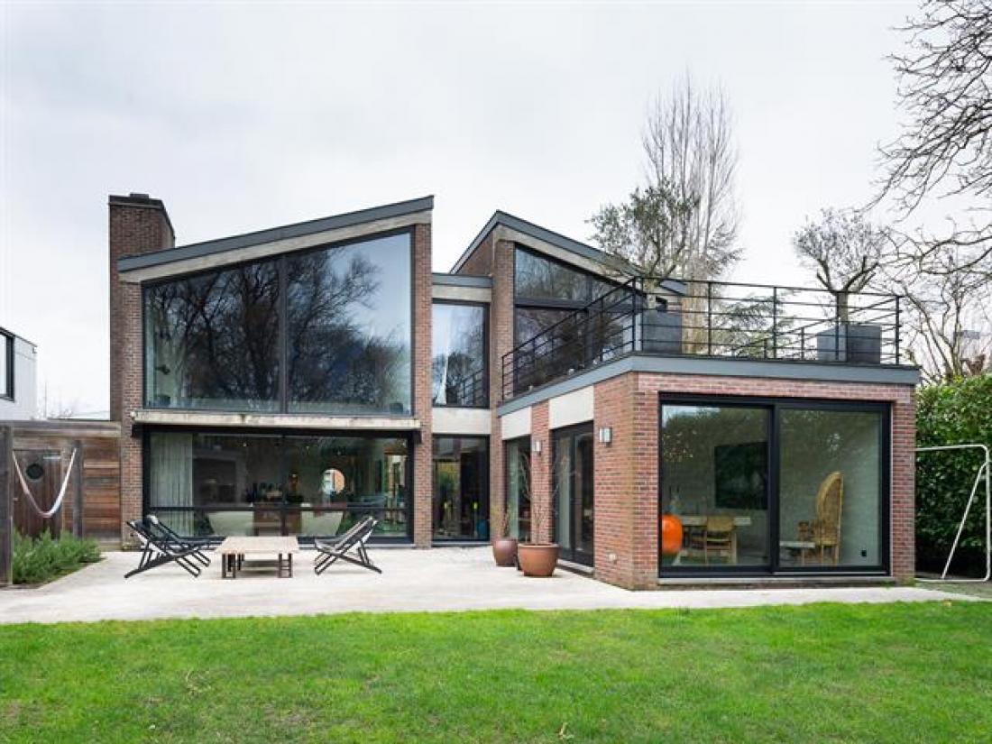 Filmische 70's villa van arch. Posson-Donck op absolute TOP locatie