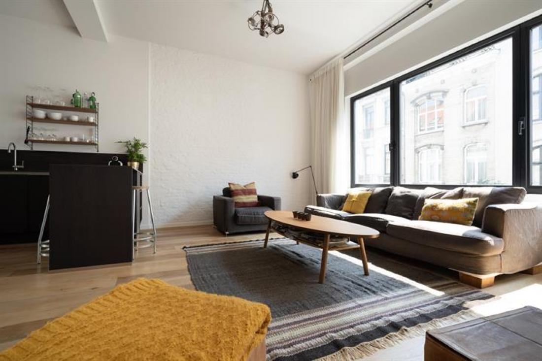 Eigentijdse duplex met terras (incl garage)