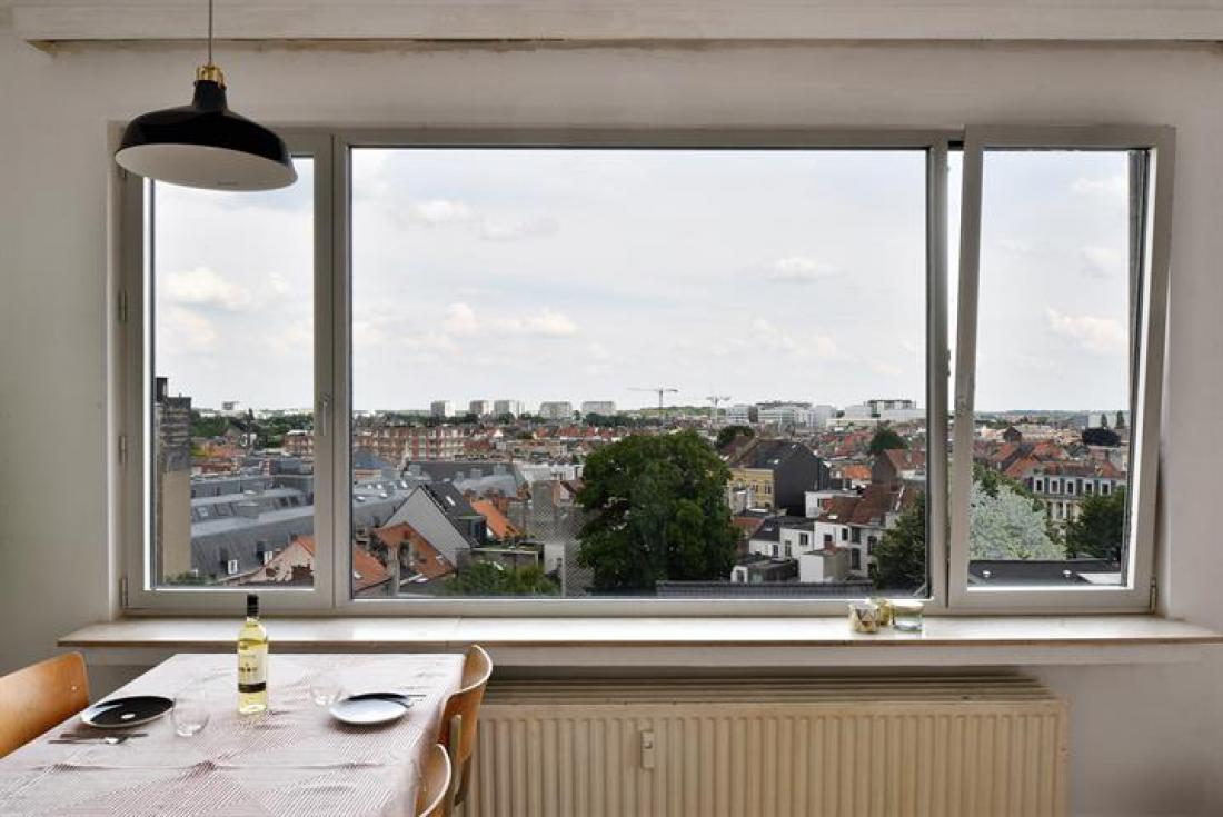 Zonnig hoekappartement with a view