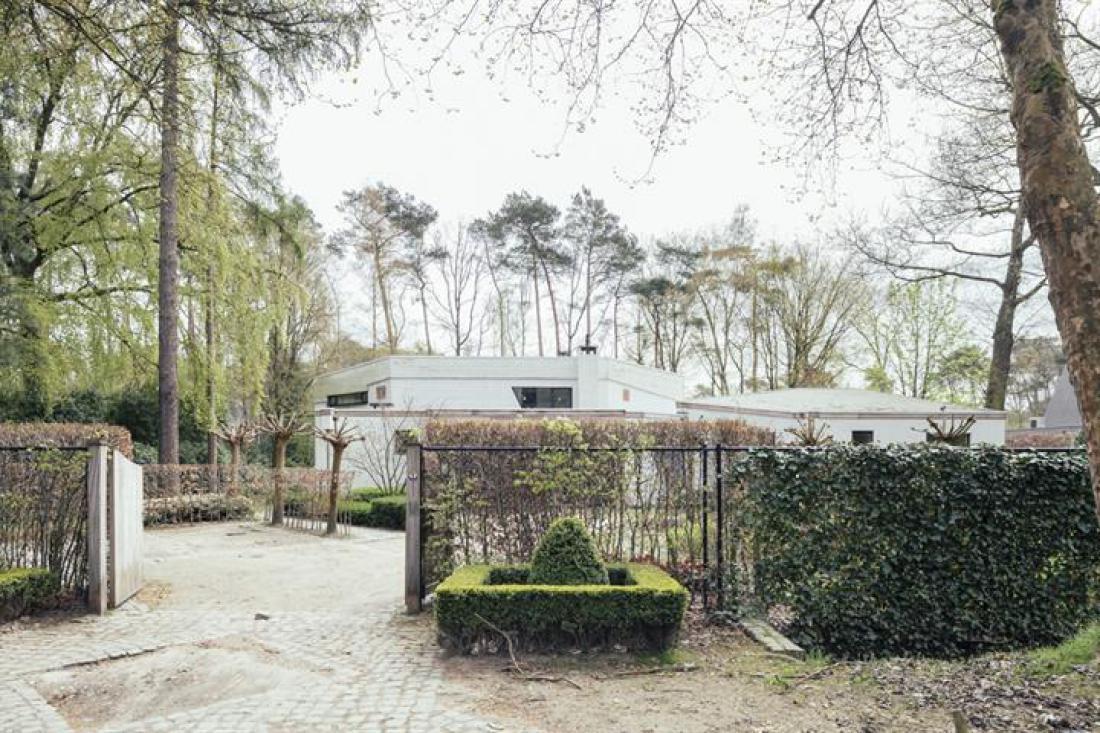 Villa door Willy De Jongh
