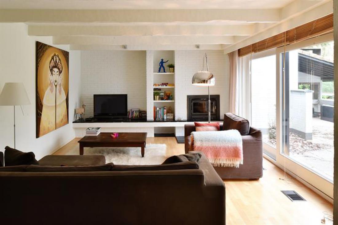 Villa met seventies feel en enorme tuin