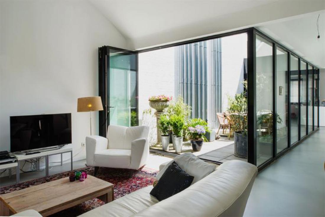 Moderne duplex met terras