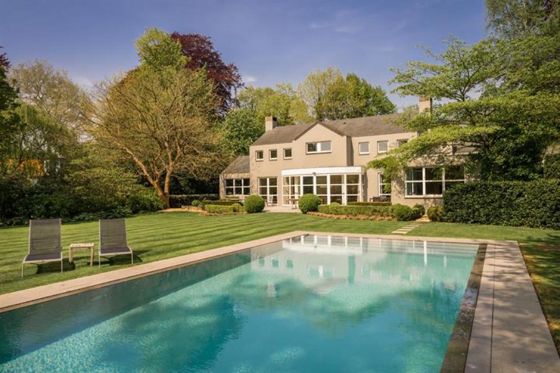 Villa van arch. Conix met prachtige tuin en zwembad