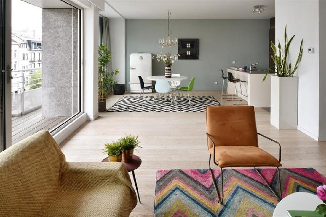 Recent licht en gezellig appartement