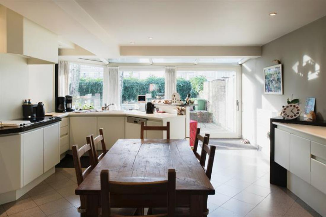Ruim app met tuin en garage