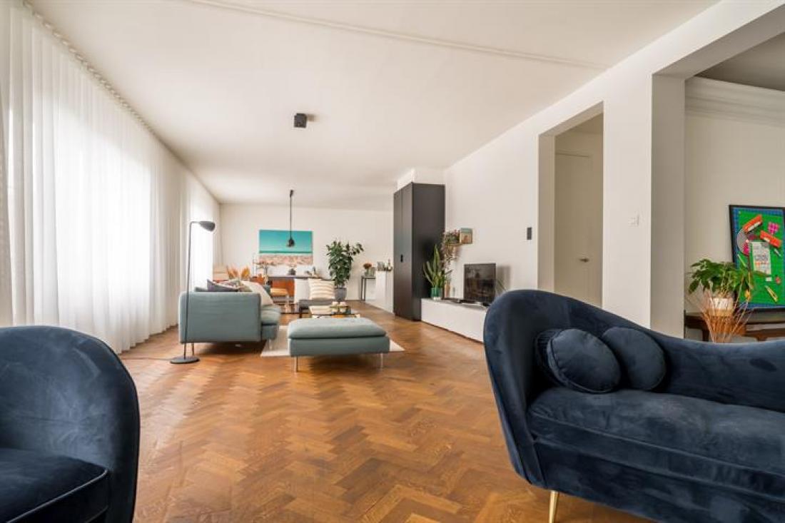 Verbluffend penthouse met daktuin en garage