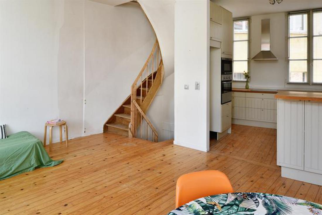 Authentiek trappenhuis met dakterras