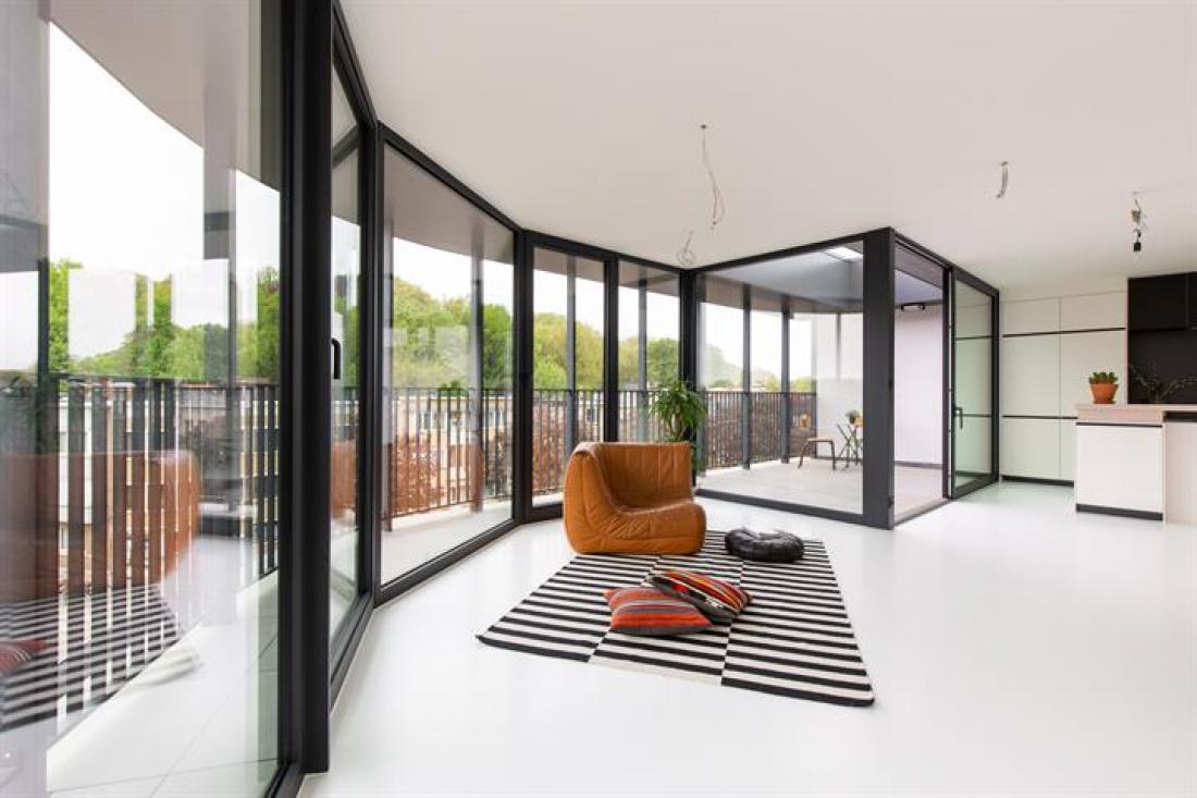 Lage kosten penthouse met terras