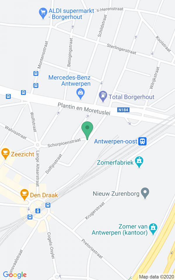 Ruim burgerhuis met tuin in Zurenborg